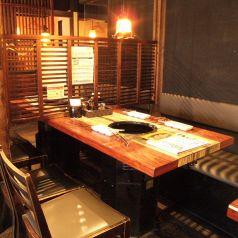 ゆったり大きなテーブル席で焼肉宴会♪
