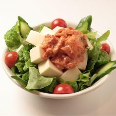 キムマヨと豆腐のサラダ
