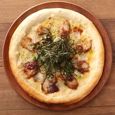 料理メニュー写真テリヤキチキンとお餅の和風PIZZA