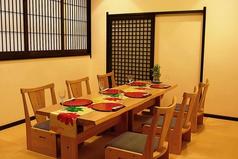 【松の間】小さなお子様連れのお客様などゆったりお食事をお召し上がりいただけます。