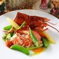 料理メニュー写真活けオマール海老とお魚のポワレ