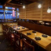店内の入口からも近いテーブル個室は女子会や会社宴会などにピッタリです!※系列店との併設店舗です。