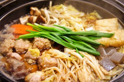 醤油、味噌、塩、ポン酢、カレーの5種類のこだわりのちゃんこ鍋が食べられるお店。