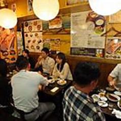 【テーブル席6名様×1席】店内はとてもアットホームな雰囲気。6名様用のお席は女子会や会社飲み、合コンなど各種ご宴会に最適です♪ぜひご利用ください!