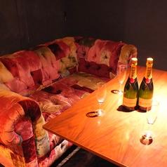 デートや記念日はゆったり寛げるカップルシートで…★