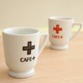 コーヒーは産地や味にこだわり、ハンドドリップ・マシーンを使い分けています。栄養満点のフルーツジュースもカラフルに展開。