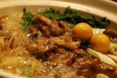 料理メニュー写真特製 鶏もつ塩鍋(金・赤・黒)
