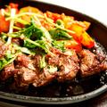 料理メニュー写真国産牛もも肉(シンシン)ガーリックステーキ