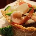 料理メニュー写真海鮮三種と季節野菜の炒め