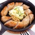 料理メニュー写真習志野ソーセージのスキレット(小さなフライパン)焼き