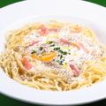 料理メニュー写真夏季限定冷たいカルボナーラスパゲッティ