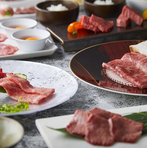 今人気の和牛寿司や上タン塩、和牛上カルビなど定番焼肉が楽しめる♪あじさいコース
