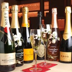 カラオケ&シャンパンBAR ワンモアの写真