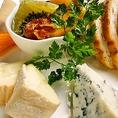 ワインにぴったりなおつまみもたくさんご用意しております。チーズや生ハムなどこだわりのお料理をお楽しみください!研究学園で飲むなら「パッチョ研究学園店」にお任せ!