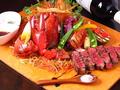 料理メニュー写真オマール海老と黒毛和牛プレート