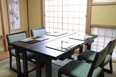 2F 4名様テーブル席個室 お二階にもテーブルのお席をご用意しております。