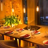 ソファー椅子大人数でも着席可能なお席♪広々開放的な空間でお食事をお楽しみください♪