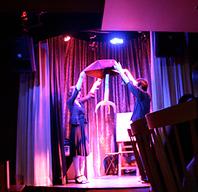 ステージではショーを!