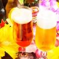 ドリンク飲み放題には、生ビールはもちろん、ビアカクテル、ハイボールカクテル、レモンサワーカクテル、タピオカカクテルなど豊富なドリンク200種類以上を揃えております。その他にもバーテンダーにお声かけください。