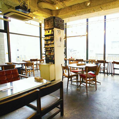 全面ガラス張りの「街のカフェ」女子会・デートなど普段使い~貸切&PARTYまで幅広く♪
