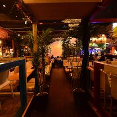 The Cave Resort ケイブリゾート 新宿店の雰囲気1