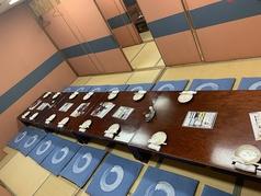 こちらは12名~18名まで対応可能!全席個室の人数に合わせて個室をおつくり致しますので最大宴会数60名様くらいまで可能です♪是非お問い合わせください。