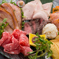 料理メニュー写真肉の5種盛り合わせ