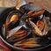 料理メニュー写真●大盛りムール貝のバターソテー