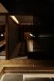 12名様までのご利用可能な個室。襖を開くと最大42名様迄収容できる宴会場になります。接待や会社の飲み会でも利用できます。