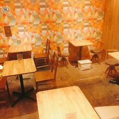 ショップスペースから飲食スペースに変わり、2名×5テーブル増えました!10名様までの貸し切りも対応できるのでお問い合わせください。