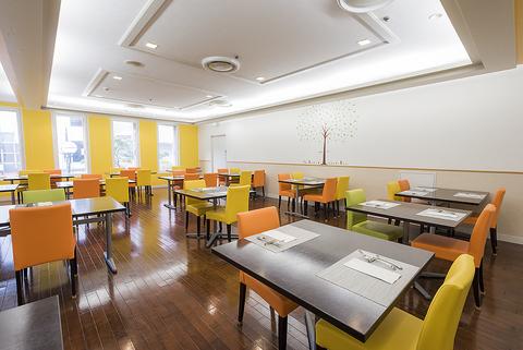 ホテルの2階にあるレストラン!日替りランチブッフェ&道産食材使用の創作ディナー!
