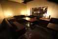 【ソファー席】おしゃれなソファー席は10名様までOK♪お酒を飲みながらダーツやエアホッケーなどが楽しめます☆