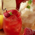ディプント不動の人気!苺のサングリアと桃のサングリアです!