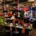店内に一歩入ると一面ガラス張りで開放的な空間が広がる現代のKOREA!!