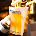 【樽生】《ヒューガルデン ホワイト》小麦を使ってつくられるホワイトビール。スパイスや柑橘類の爽やかでフルーティーな味わいは女性にもおすすめです。特に、樽生で味わうヒューガルデンは香りも味わいも格別です!
