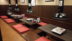 ◆小卓で繋げる事も可能です。大、小宴会・ご友人・家族での食事等多様にお使い頂けます!座布団も厚めの物をご用意しておりますので長時間座って居ても疲れません。
