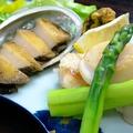 料理メニュー写真鮑と帆立とグリーンアスパラのバター焼