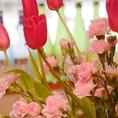 店内には、四季折々のお花が、季節の訪れを知らせてくれます。