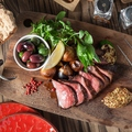 料理メニュー写真和牛イチボのビステッカ