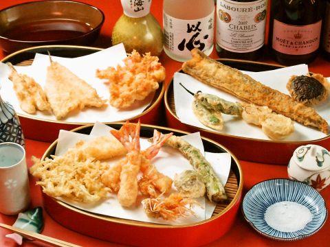 江戸時代から続く玉め締絞り胡麻油を使った伝統の天麩羅。新宿駅前で味わう至福の味