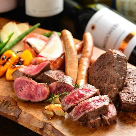 シェフ渾身の肉料理満載♪この道20年以上のベテランシェフが食材、部位、調理法全てにこだわりぬきました!お酒との相性のお肉をシェフ自ら厳選!月替わりでご提供する部位を一番美味しく仕上げます。