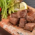 料理メニュー写真牛サイコロステーキ