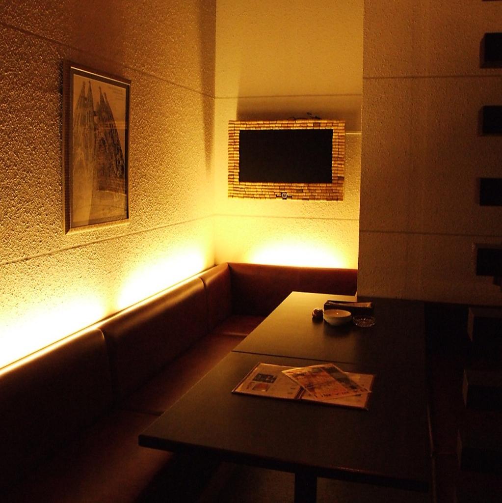 10名様まで対応可能な個室席もあり。宴会利用もOK!人気席ですのでお早目のご予約がオススメします★