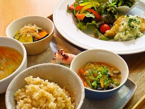 ドクター監修の元、美味しく食べて、美しく健康な体作りをサポートするカフェ。