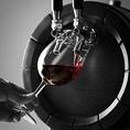 イタリア直送の生ワインはリピーター続出!また樽で保管してあるため、鮮度も抜群です。おいしいワインをみんなで乾杯!