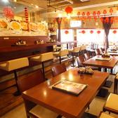 広々としたテーブル席。まわりのお客様を気にせずにご宴会をお楽しみいただけます!