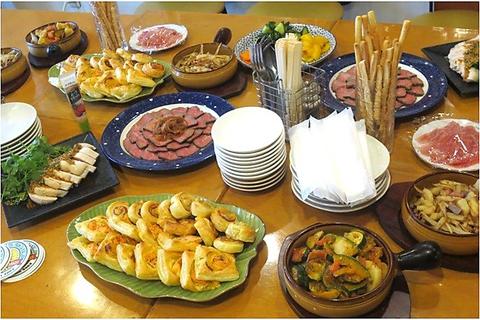 店主のおまかせ料理で少人数から貸切宴会できますよ!もちろん飲み放題コースあり!