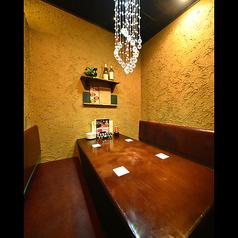 1Fテーブル個室席♪ベンチシート☆ちょっぴり広めのテーブルが◎♪(禁煙席)