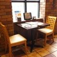 【狭いけど親密さがますカップルシート】正直小さなお席です。ただ少ない人数で大きなお席だと場もしらけてしまうことってないでしょうか?狭いからこそ心の距離が縮まる・・・そんな時間をぜひいろはにほへと札幌駅前店で・・・