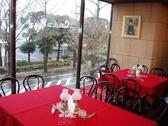 カフェ・ド・ラペ 横浜 Cafe de la Paixの雰囲気2